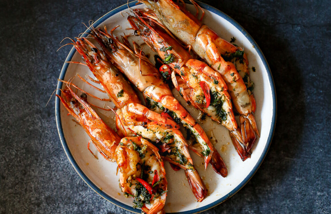 GRILLED PRAWNS WITH A SPICY BUTTER SAUCE